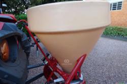 Adubadora mono disco Vicon Giro 600