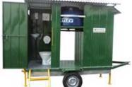 Banheiro com caixa de dejetos