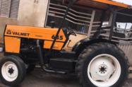 Trator Valtra/Valmet 685 4x2 ano 96