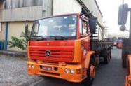Caminhão Mercedes Benz