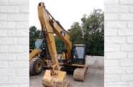 Escavadeira Caterpillar 312 D2L ano 2013 com 11000 horas trabalhadas