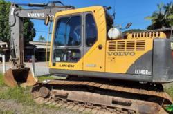 Escavadeira Volvo 140 BLC ano 2013 com 10000 horas