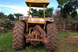 Trator Cbt 8240 4x2 ano 99