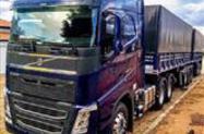 Caminhão VOLVO FH540 ano 19