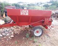 Distribuidor de fertilizantes Jumil