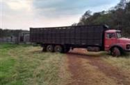 Frete caminhão truck boiadeiro