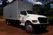 Caminhão Ford F 12000 ano 02