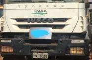 Caminhão Iveco Trakker ano 14