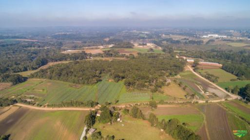 Chácara á 20km de Curitiba PR