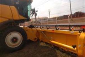 COLHEITADEIRA CR 6080 PLATAFORMA DE 30 PES ANO 2013