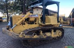 Trator de Esteiras Cat D6D Ano 1988 c/ Ríper