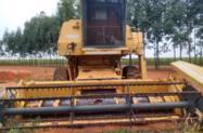 Colheitadeira New Holland 8055 plataforma de soja e milho